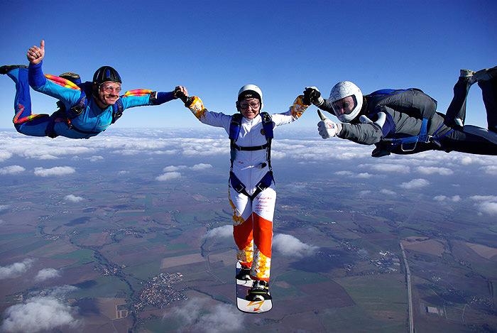 Skysurfen Fallschirmspringen